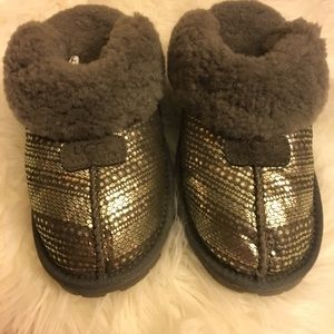 New Without Tags Sequin UGG Slipper Size 8